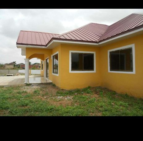 5bedroom house  newly built at community 25