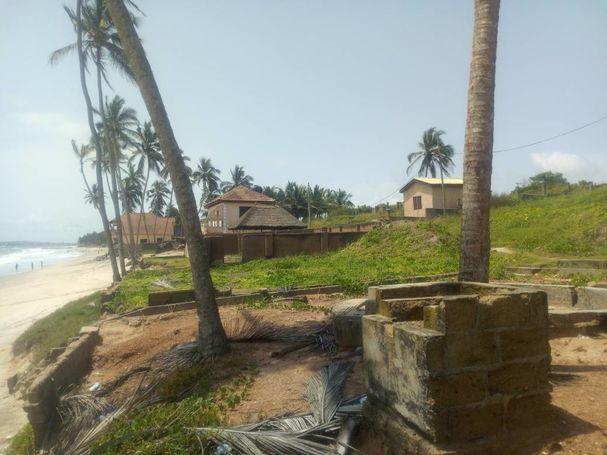 Registed Title, 4 Acres beach front land at Kokrobite