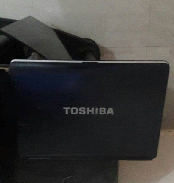 TOSHIBA L 40 LAPTOP COMPUTER SYSTEM