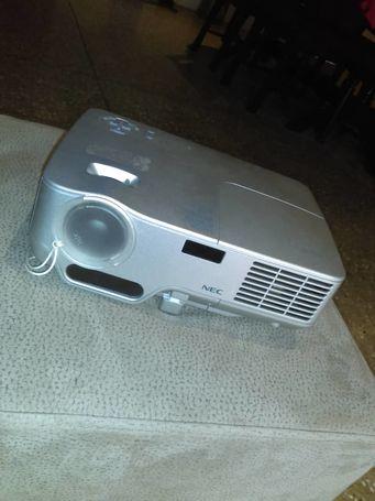 NEC Projector(NEC NP41 DLP XGA 2300 Lumens Projector