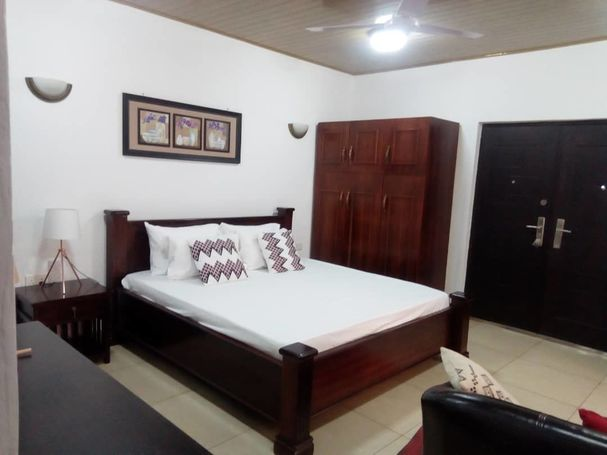 Furnished 5Bedrooms House For Rent at Ashongman in Coment Estate