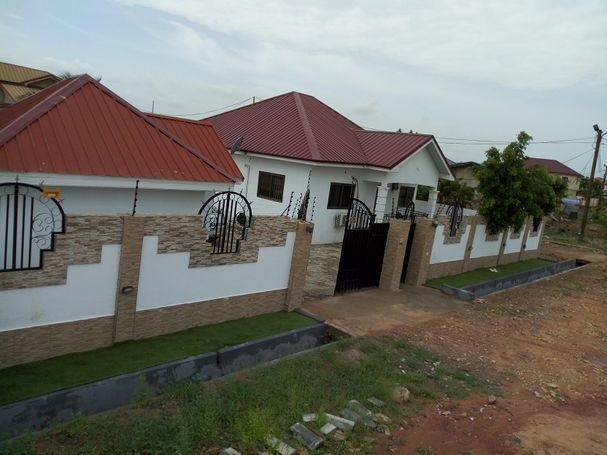 4bedroom House for Sale at Tema Com25 annex near  Devtraco Estate