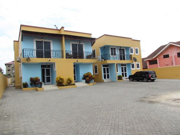 3 bedroom furnished apartment for rent at Accra,Community18-Spintex