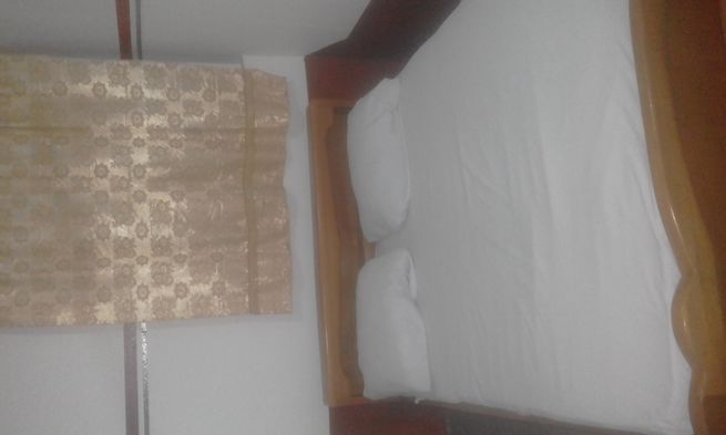 Ex.single room self contain 400 fr 1yr@adenta
