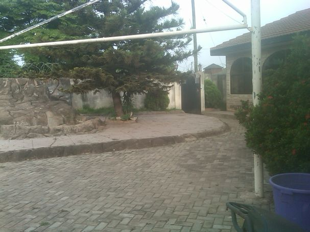 6 BEDROOM EXECUTIVE HOUSE FOR SALE AT ADENTA, SAKORA