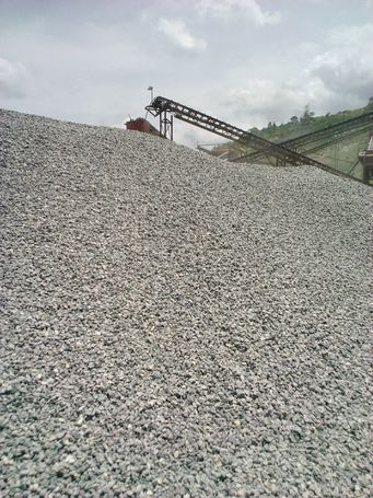 sand and chippings for construction works