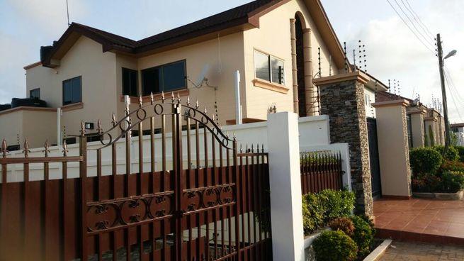 EXECUTIVE NEW 4 BEDROOM ENSUITE HOUSE TO LET @ SAKUMONO
