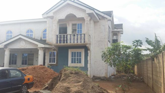 7 bedroom house is up for sale at ACP, Pokuase.