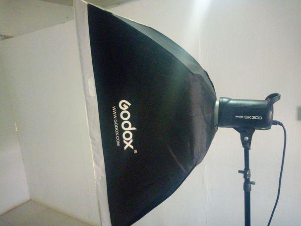 Godox sk300 studio flash light