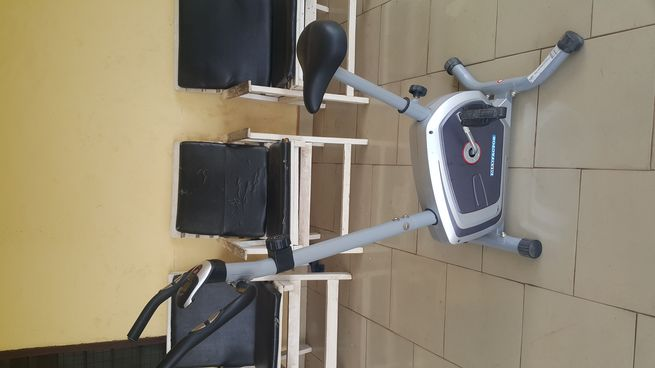 Very slightly used Max factor exercise bike for sale