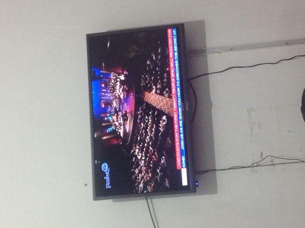 32 inch hitachi digital satellite tv for sale