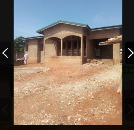 REGISTERED 4 BEDROOMS ROOFED HOUSE AT GBAWE ,ZERO (PAYMENT TERMS)