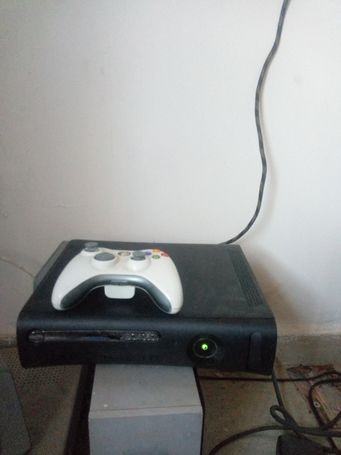Xbox 360 loaded wit13 games 200gg