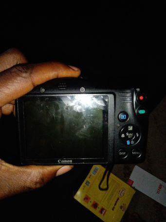 Canon SL 410 IS HD digital camera