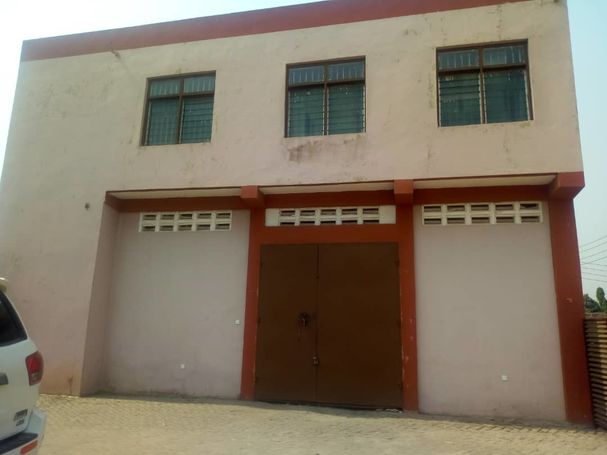 WareHouse For Rent At Pig Farm Behind Abedi Pele Building