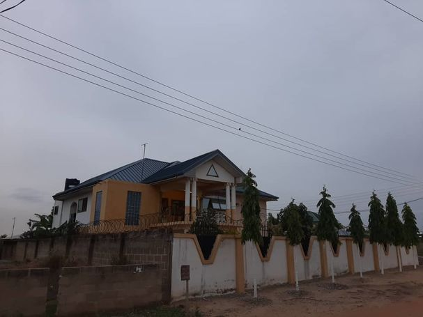 7bedroom house for sale