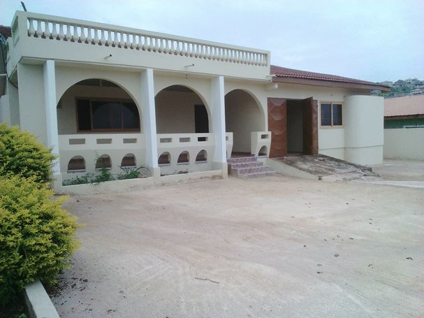 Newly Built 4 Bedrooms Self compound For Rent At Aayalolo