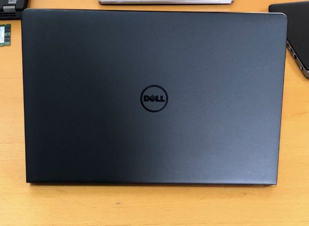 Dell Inspiron 15 3000 i5 7th Gen