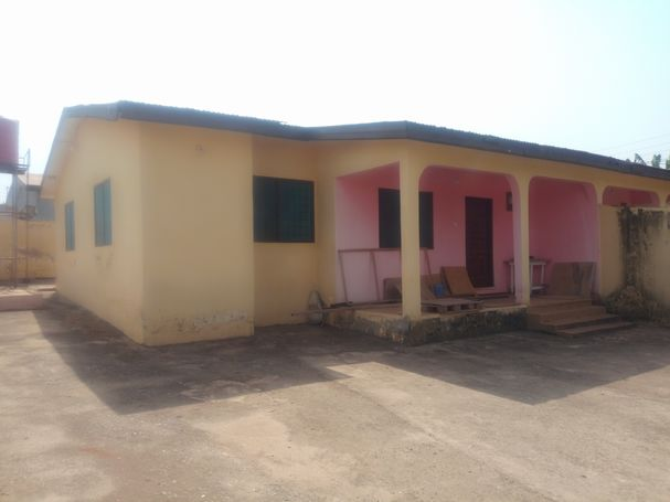REGISTERED 2 BRM HOUSE, VALLEY VIEW ARE, OYIBI