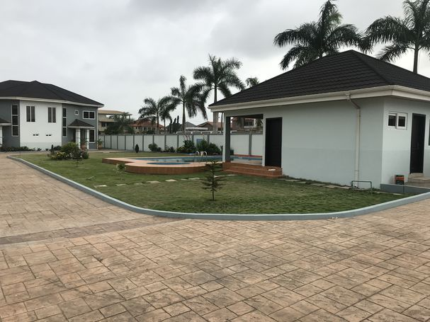 3 and 2 bedrooms apartments for Rent at Tema community 25