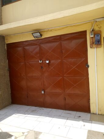 Shop for rent at Sakaman