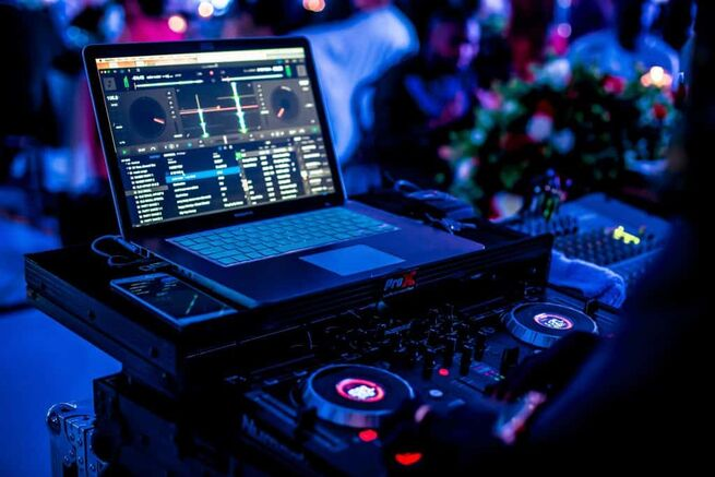 WEDDING DJ & EVENTS DJ