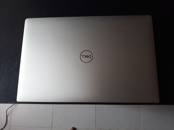 DELL XPS 15 7590 i7 32GB 2TSSD