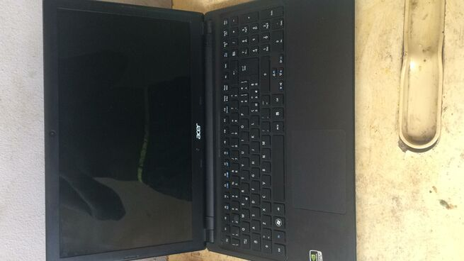 Acer Apsire 5 for urgent sale