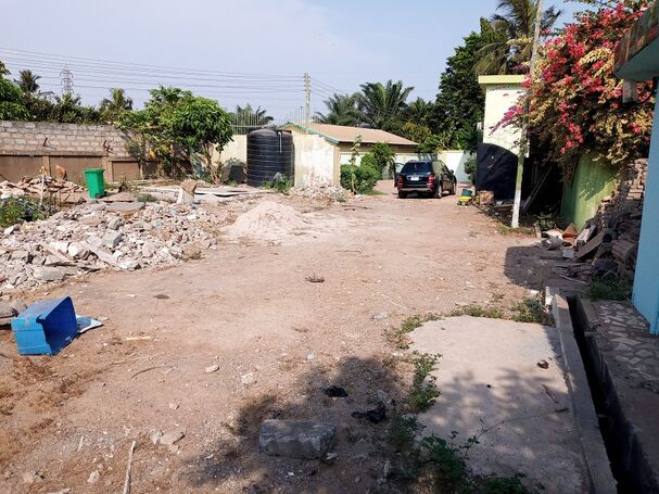 1Plot Walled for sale at Tema COM21