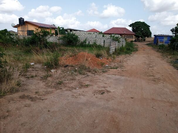 1Plot Walled for sale at katamanso