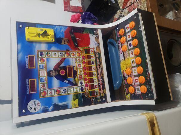 Jackpot game machine