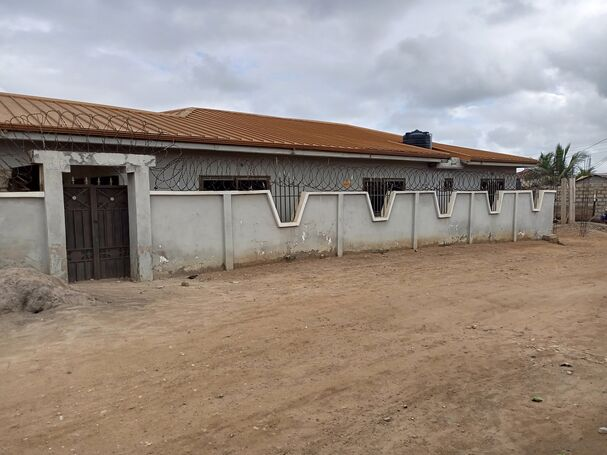 3Bedroom House+garage for Sale at Ashiaman