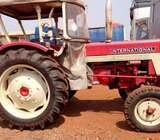 Harvester tractor